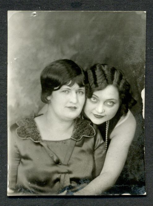 vintage photo booth photo 1920s