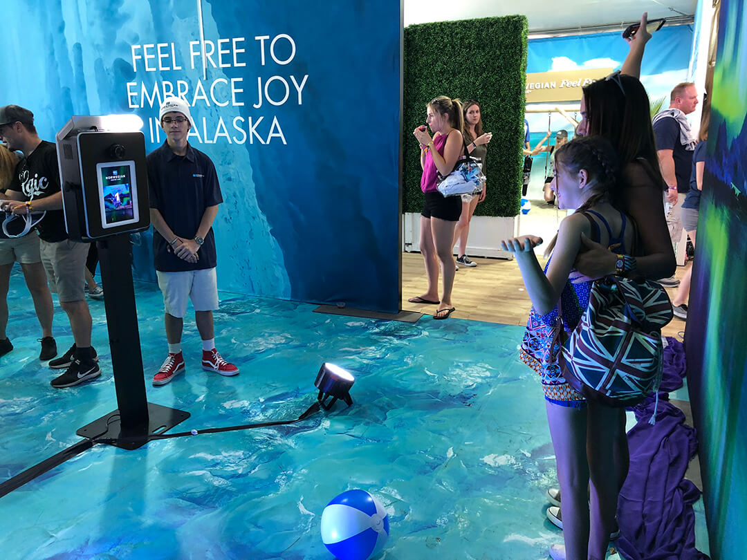 Photo Booth in an underwater scene for Norwegian Cruise Line